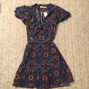Short sleeve wrap dress.